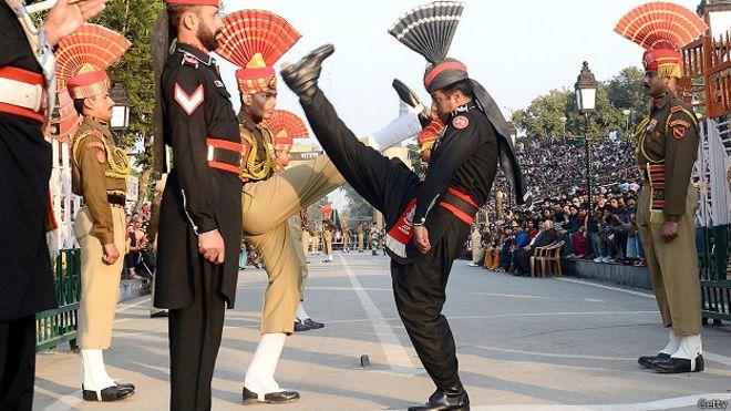 border_india_pakistan_ritual.jpg